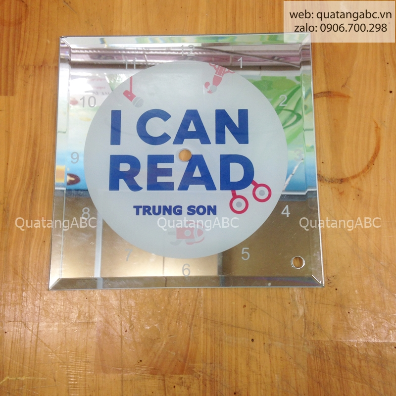INLOGO IN ĐỒNG HỒ THUỶ TINH CHO I CAN READ